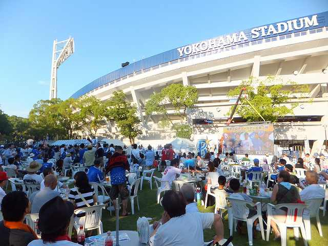 試合前の横浜スタジアムの様子