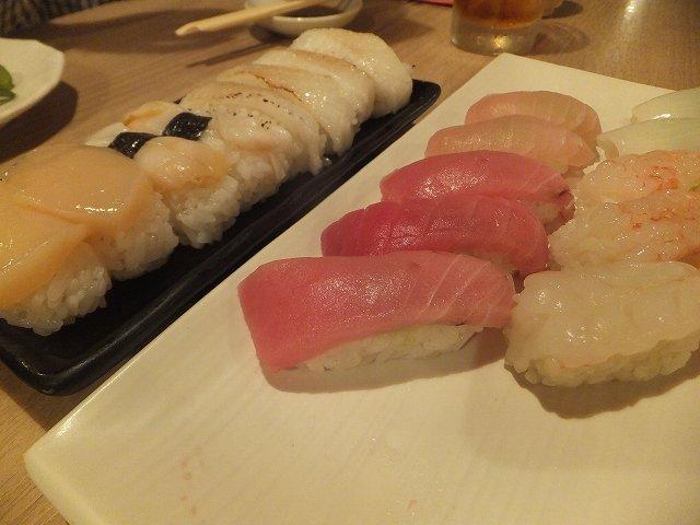 まだまだ注文、寿司食い放題♪