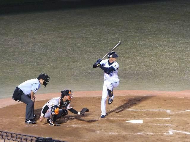 2軍の試合で活躍する森本稀哲選手:横須賀スタジアム