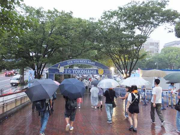 雨天中止となった巨人戦:横浜スタジアム