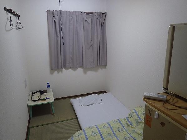 私が実際に宿泊した1泊1300円の部屋