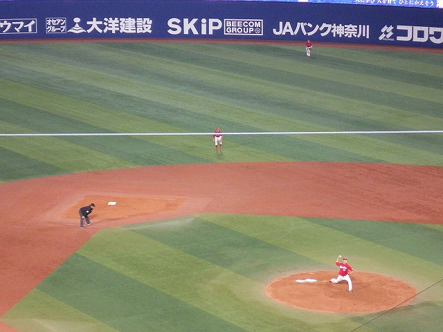 広島カープ:セカンド菊池選手の守備位置の深さ!