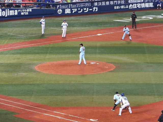 巨人エース菅野をめった打ち!満塁の大チャンス