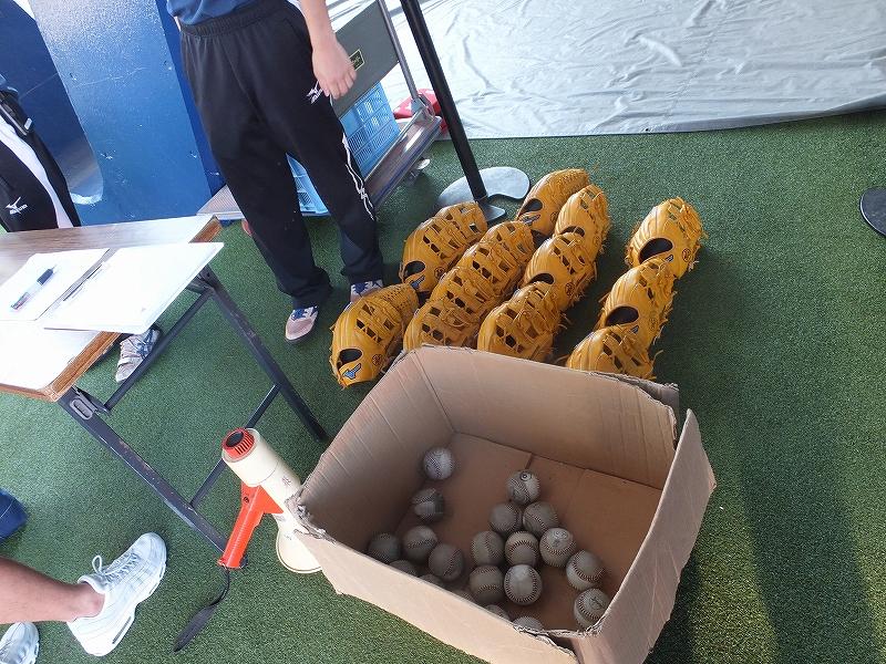 横浜スタジアム朝の無料開放!キャッチボール体験、貸出グローブ&ボール
