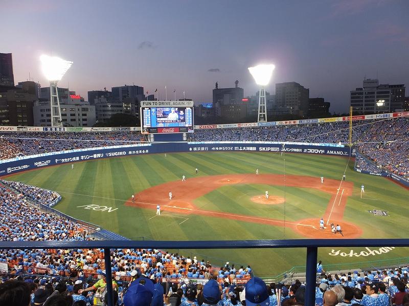 横浜スタジアムナイター:3塁側からの景色