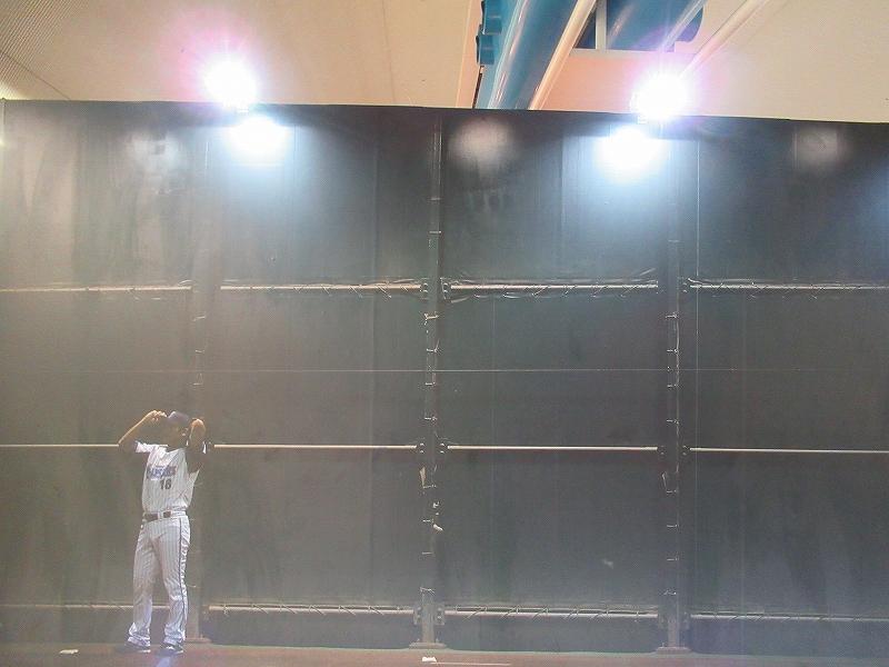 横浜DeNA:三浦大輔写真展の外観ブルペン