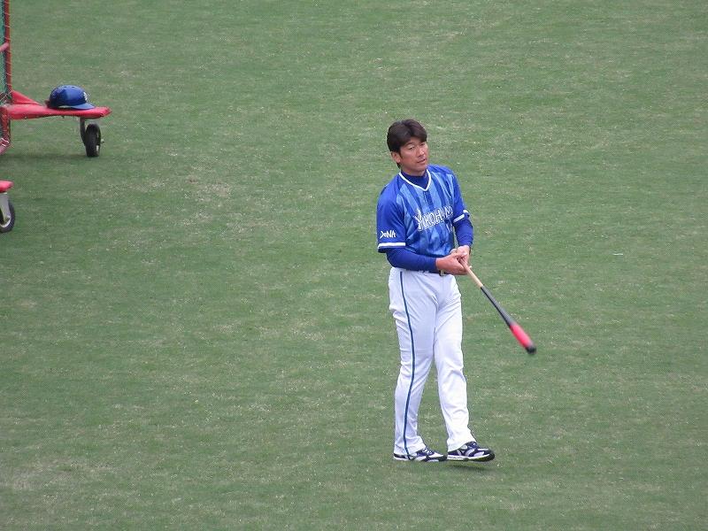 横浜DeNACS試合前の練習:ハマの番長三浦大輔