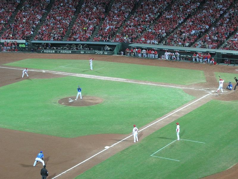 横浜DeNA須田、満塁でマウンドに上がる!:CS2016広島戦