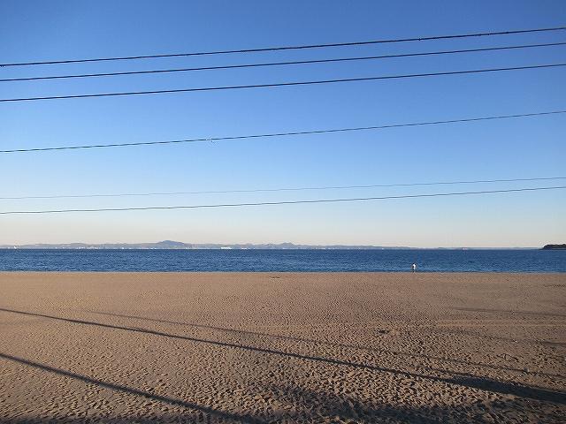 三浦海岸からは向こう岸に千葉・房総半島が見える!