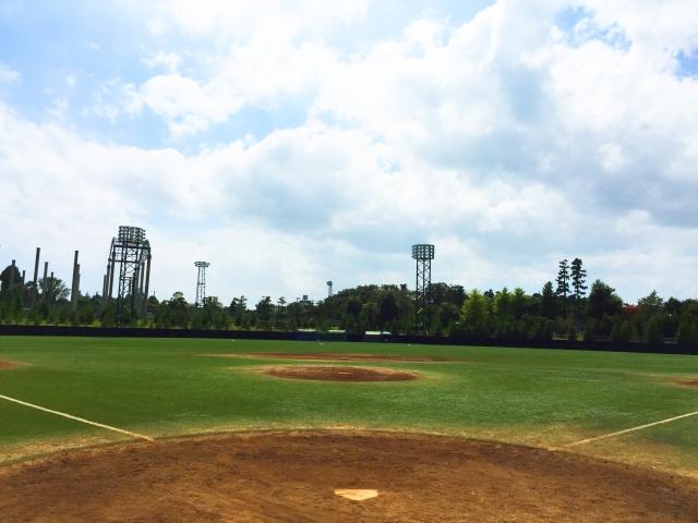 野球の練習!球場