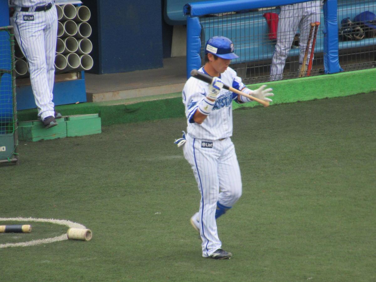 バッターボックスに入る山崎憲晴選手:横須賀スタジアム最終戦2017