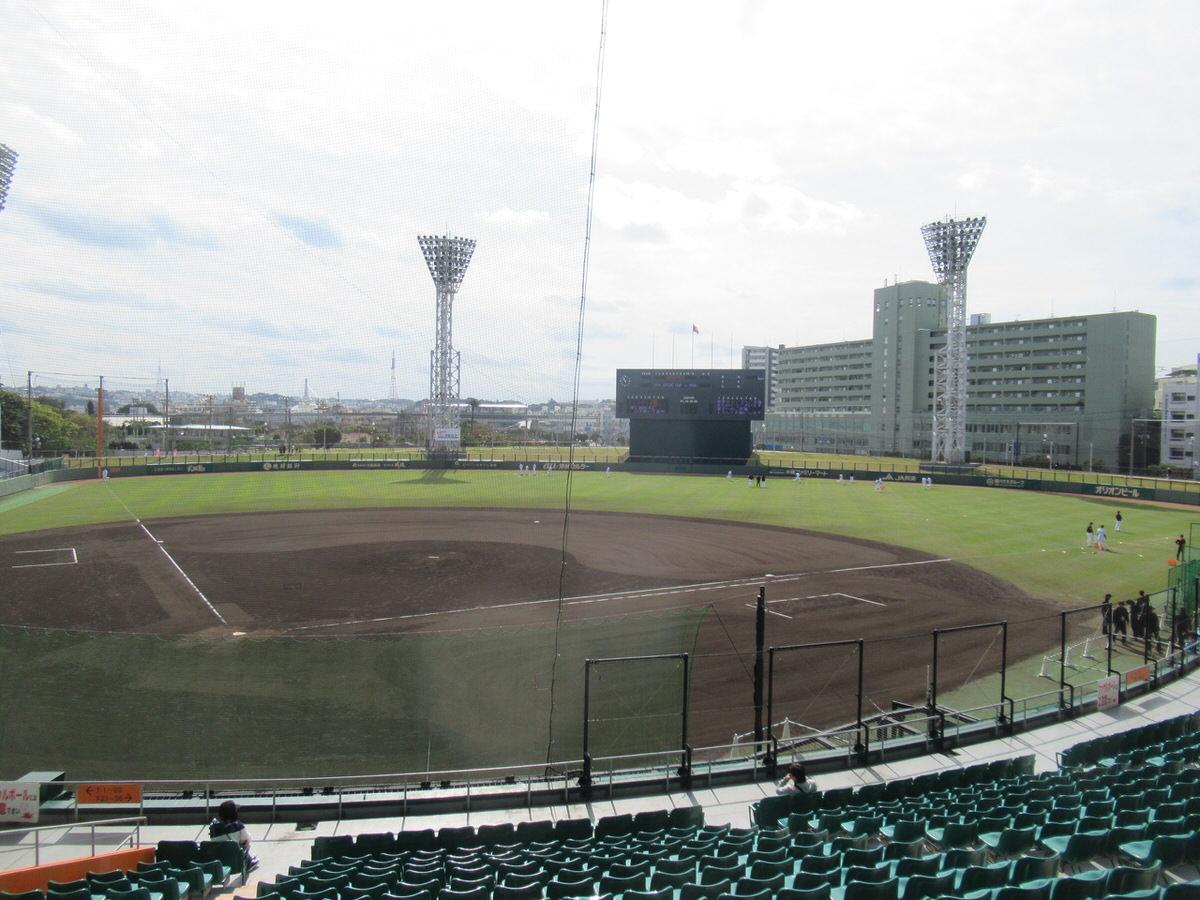 立派な球場!沖縄セルラースタジアム巨人春季キャンプ