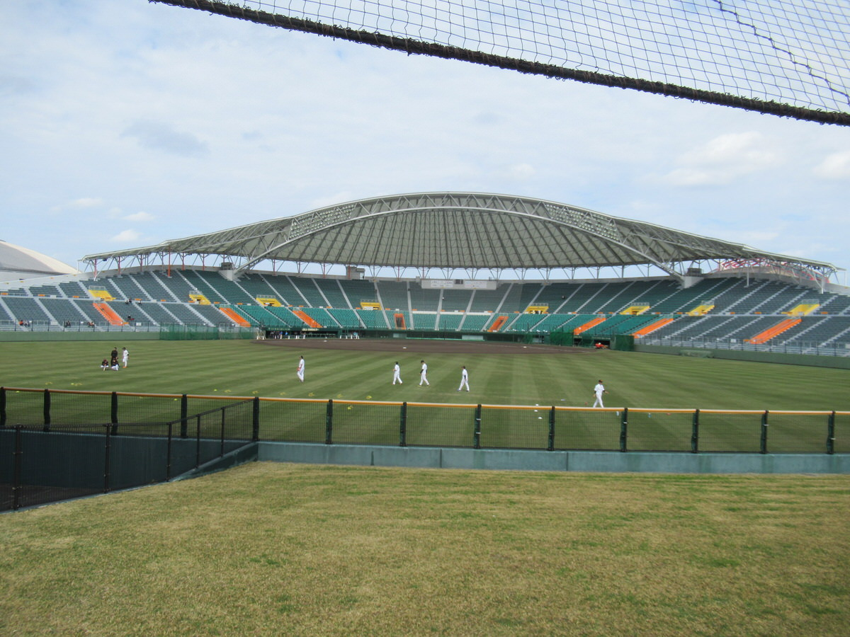 外野から見た風景!沖縄セルラースタジアム巨人春季キャンプ