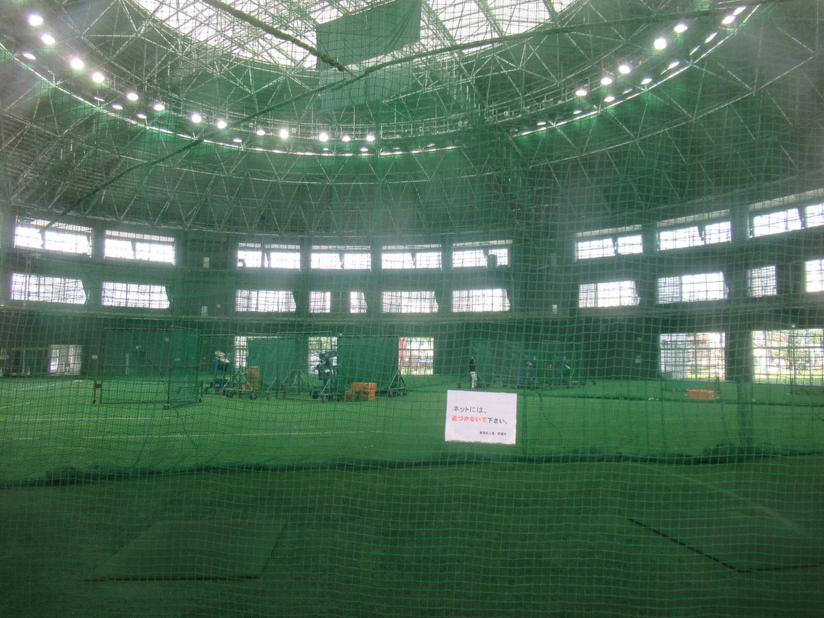 室内練習場もヤバし!沖縄セルラースタジアム巨人春季キャンプ