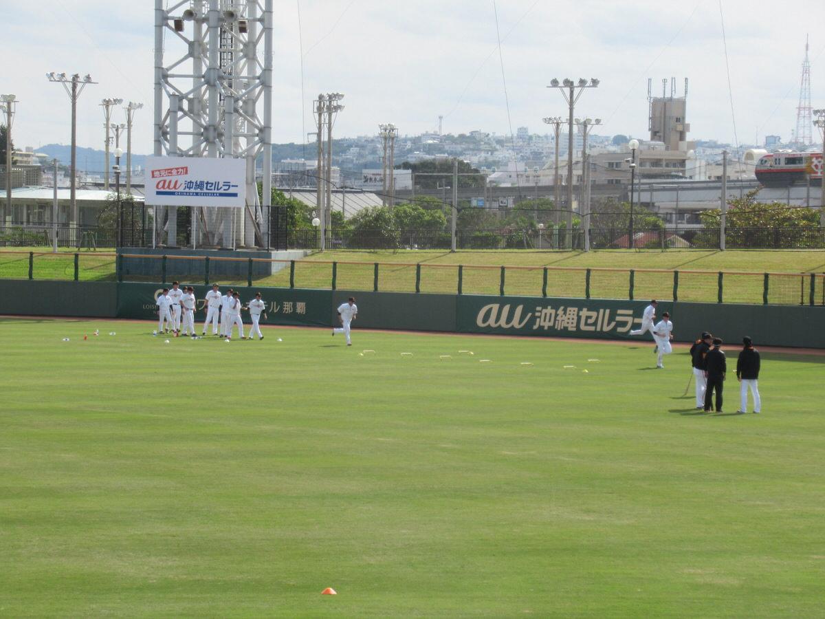 ひたすら走り込み!沖縄セルラースタジアム巨人春季キャンプ