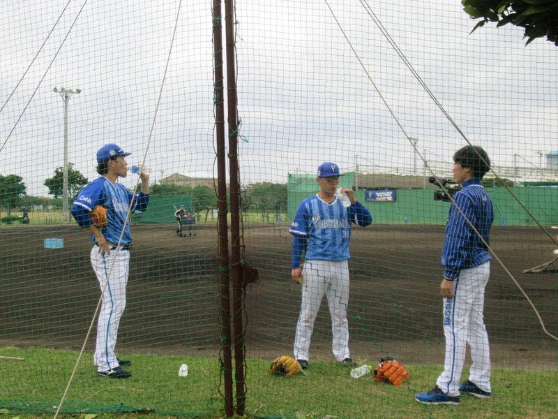 給水、柴田・倉本:横浜DeNAベイスターズ宜野湾キャンプ