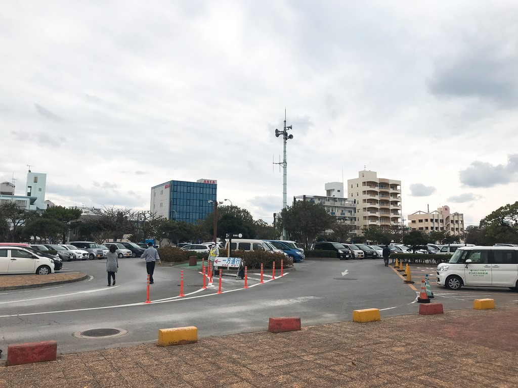宜野湾市立野球場にある駐車場!・レンタカーで沖縄キャンプを観に行く