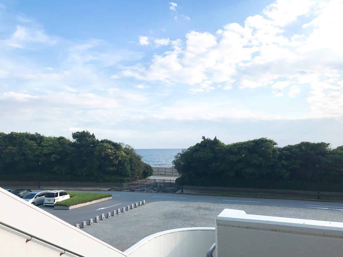 ZOZOマリンスタジアム・センターバックスクリーン裏から見える海